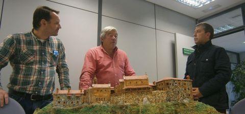 La maqueta de Caaveiro creada por Fernando Couce se expondrá en el monasterio.