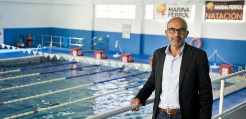 Fernando Bustabad fue nadador del Marina y actualmente tiene a tres hijos nadando en el club.