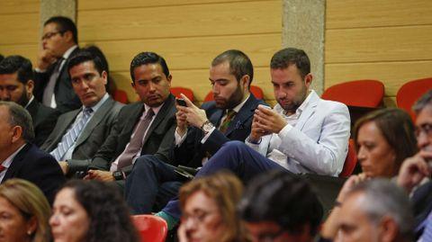 Tribuna de invitados durante la intervención de Feijoo.