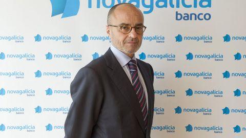 FRANCISCO SERNA. ANTES: Director de la secretaría general de la caja y de Novagalicia Banco. AHORA: El último en irse del banco. Abogado