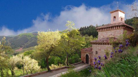 El monasterio de Suso, en San Millán de la Cogolla, donde se descubrieron los primeros textos en castellano, las glosas emilianenses