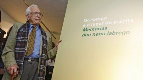 En la exposición Memorias dun neno labrego, en Ourense en el 2011
