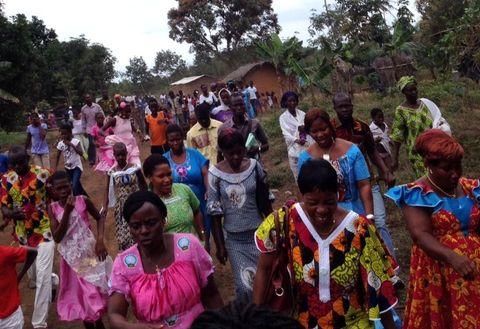 Las mujeres de esta comunidad marfileña se benefician de un programa de microcréditos.