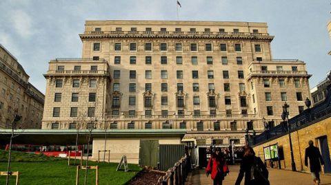 El fundador de Inditex compró Devonshire House, un edificio de oficinas londinense, por 480 millones de euros.