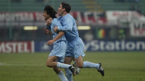Berizzo, celebrando con José Ignacio el gol de este último en San Siro