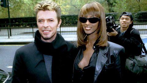 Otra imagen, de noviembre de 1995, de David Bowie con Iman.