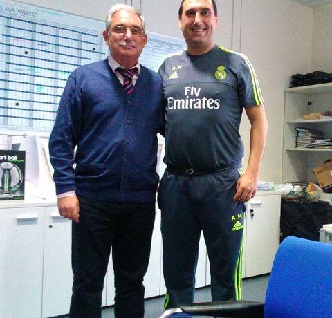 José Ramón Pichel se reunió ayer con Alberto Moríñigo, del Real Madrid.