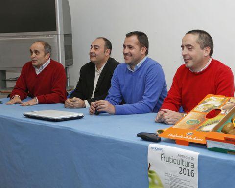 Los ponentes, con el director de Fonteboa (izquierda), ayer