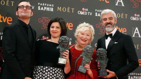 Premiados al mejor maquillaje y peluquería por «Nadie quiere la noche»