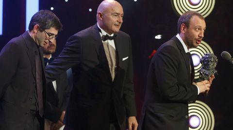 El realizador José Luis Montesinos, tras recibir el Goya a Mejor cortometraje de ficción, por su trabajo «El Corredor»