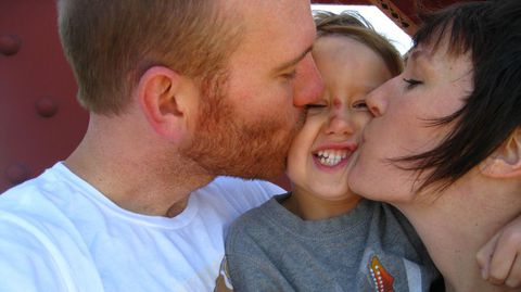 El cerebro del niño también necesita el amor de los padres para desarrollar todo su potencial intelectual y emocional