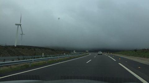 El cierre de la transcantábrica. Está pendiente la prolongación de la autovía hacia Santiago y la solución al problema de la niebla.