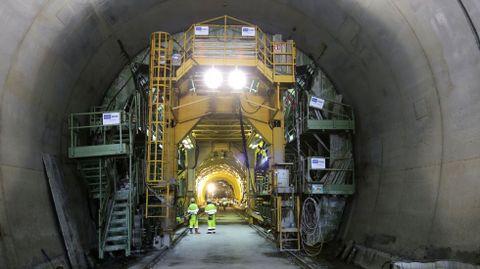Obras en el AVE de la montaña. Fomento mantiene el plazo del 2018 para terminar el nuevo acceso ferroviario a Galicia.