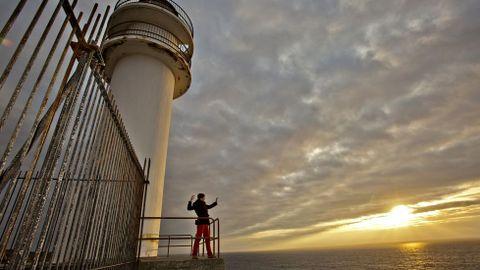 El faro Touriñán y su entorno permite vivir la Costa da Morte.