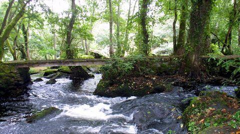 Verdes (Coristanco) es un espacio etnográfico y entorno fluvial que regala al visitante instantes de paz y belleza.