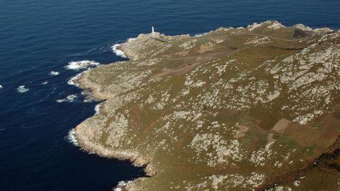 Vista aérea de punta Nariga (Malpica) y su faro.