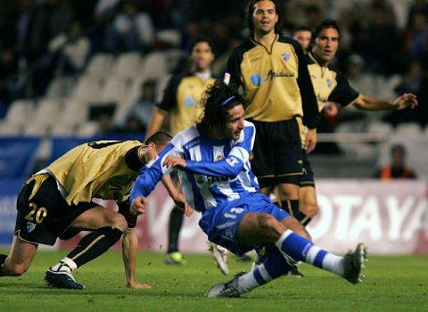 Víctor, que dirigía en el campo, marcó los dos goles