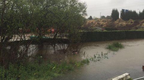 Inundaciones en Cambre, en el río Gándara Lluvias en A Coruña y comarca