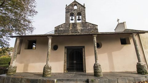 Portada de la iglesia de Santa María, donde se halla el santuario de San Eufrasio