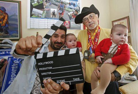 Manuel, Antón (padre) y Antón (hijo) y Tomás, ayer, en la casa de Manuel de Praceres.