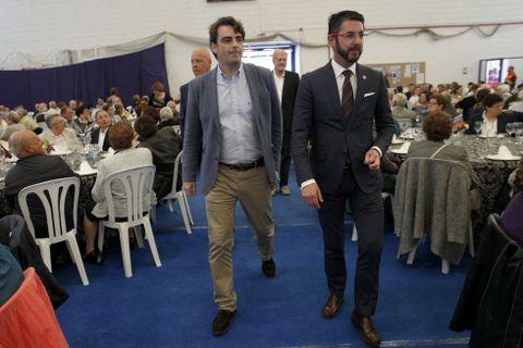 Diego Calvo y Luis Oujo hicieron su entrada al recinto juntos.