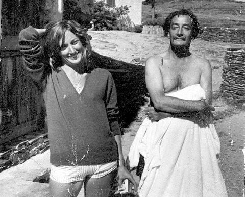 La escritora Rosa Regás con Salvador Dalí en Cadaqués