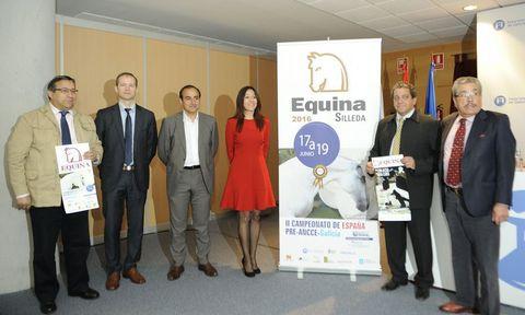 Representantes de la asociación, del Concello y de la Semana Verde presentaron ayer Equina.