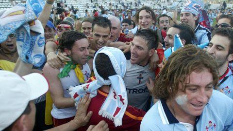 Celebrando con Berizzo y otros compañeros el ascenso de Lleida, pocos meses después de su llegada al club