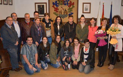 Los alumnos del Xulián Magariños fueron recibidos en el Concello.