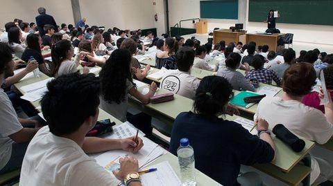 Una clase de los alumnos que se someten a la última prueba de la PAU.Una clase de los alumnos que se someten a la última prueba de la PAU