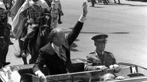 31 de mayo de 1975. El republicano Gerald R. Ford y Franco fueron en el histórico Rolls Royce blindado desde Barajas hasta Madrid