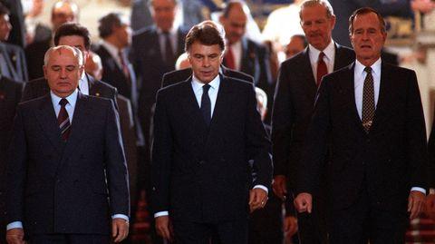 29 de octubre de 1991. George Bush asistió en Madrid a la Conferencia de paz sobre Oriente Medio junto al presidente Gorbachov