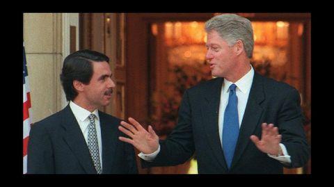 1995 y 1997. Bill Clinton asistió en 1995 en Madrid a la Cumbre de la UE. Dos años después participó en la Cumbre de la OTAN y visitó  Palma de Mallorca y Granada