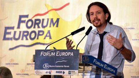 Algunos expertos consideran revelador que Pablo Iglesias haya aparecido con corbata