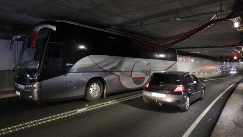 Autobús atascado en María Pita