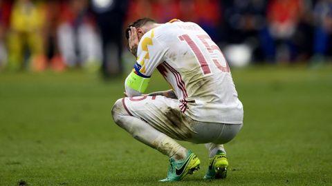 Sergio Ramos se lamenta tras la derrota contra Italia