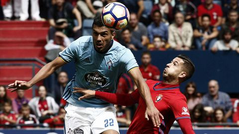 CABRAL 6: Completo partido del argentino, que revertió su actuación ante el Atlético. Tuvo una clara ocasión de gol.