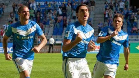 Juanma Marrero celebra un gol en su etapa en el Real Oviedo