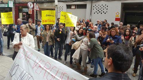 Protesta de los críticos con la junta del Colegio de Enfermería.Protesta de los críticos con la junta del Colegio de Enfermería