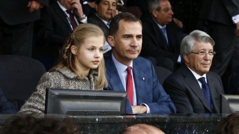 En abril acudió junto a su padre, el rey Felipe VI a su primer partido de fútbol en el estadio, concretamente al Vicente Calderón, del que su padre es seguidor.
