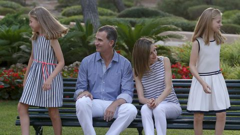 Junto a sus padres y su hermana, en el tradicional posado veraniego en Mallorca.