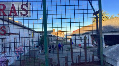 Vista desde el exterior de la Comandancia de Obras okupada