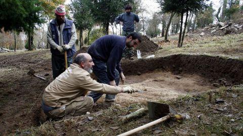 No 2007 fixéronse sondaxes en diferentes puntos da ladeira para determinar as dimensións do antigo asentamento