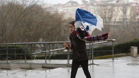 Luchando cntra el viento y la lluvia en Ourense