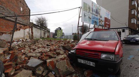 Muro caido en la Rúa Galicia en Lugo