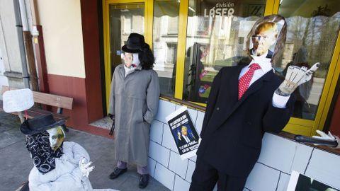 Outro compadre inspirado en Donald Trump foi exhibido na rúa monfortina do Morín