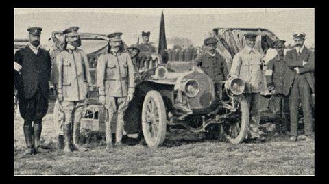 Varios automovilistas civiles colaboraron como voluntarios en el desarrollo de las maniobras