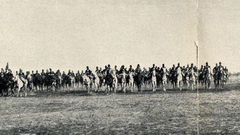 Un regimiento de caballería que participó en las maniobras de Bóveda, en el Campo do Teixugo