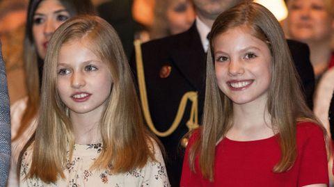La princesa Leonor (izquierda) y su hermana pequeña, la infanta Sofía
