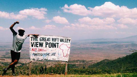 Nicolás Merino en su último pico en Kenia.Nicolás Merino en su último pico en Kenia